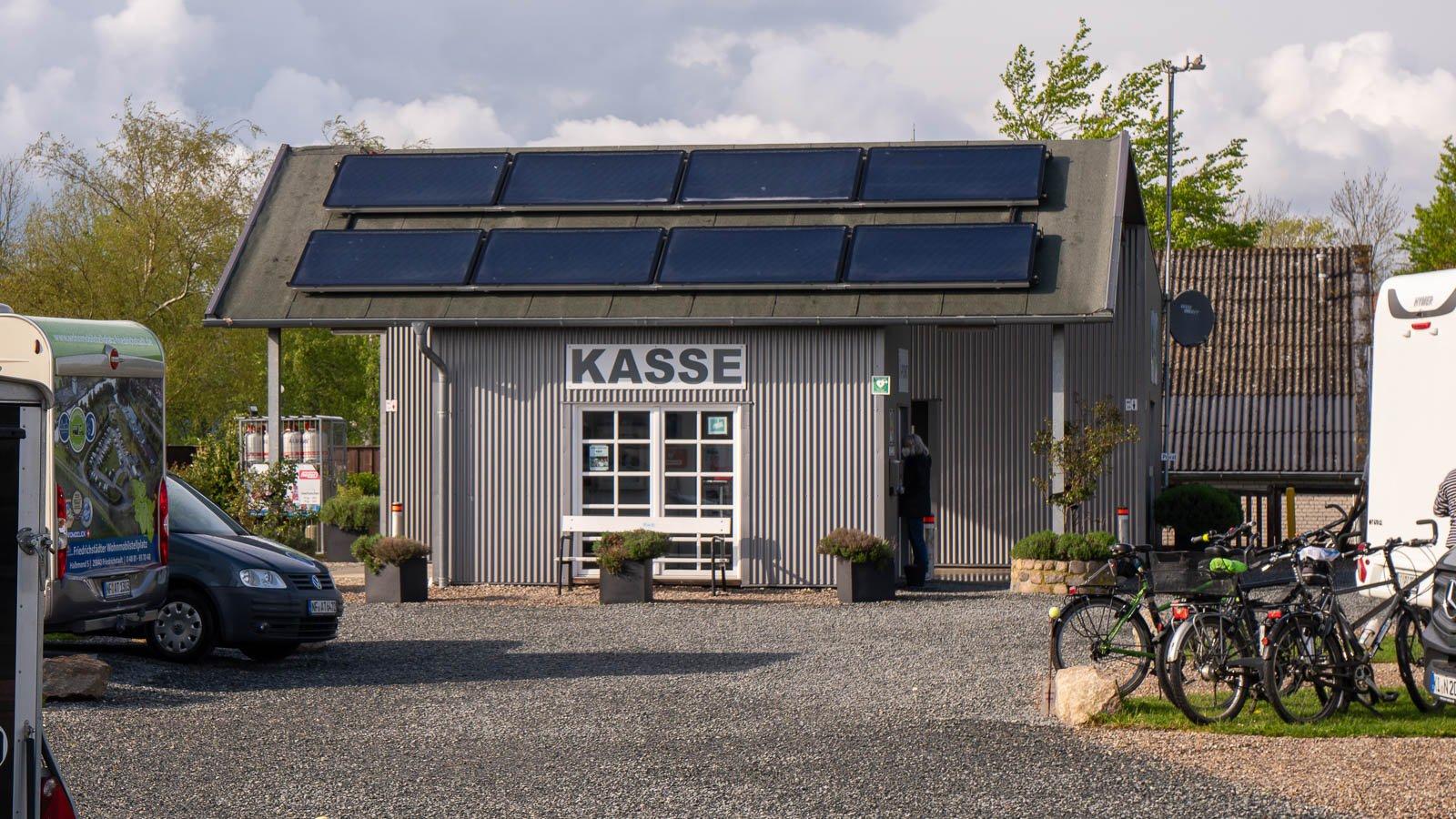 Kassenhaus mit Info-Point